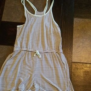 Old Navy Dresses - Girls Old Navy rompers
